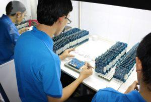 Lắp ráp board mạch điện tử
